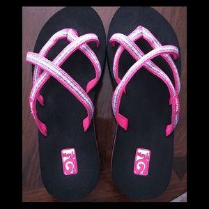 New TEVA Mush Flip Flops Size 7